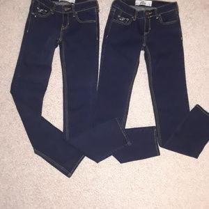 Hollister dark wash jeans (bundle of 2) 1R  25/33